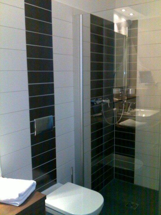 Zimmer 38, Dusche Hotel Brühlerhöhe