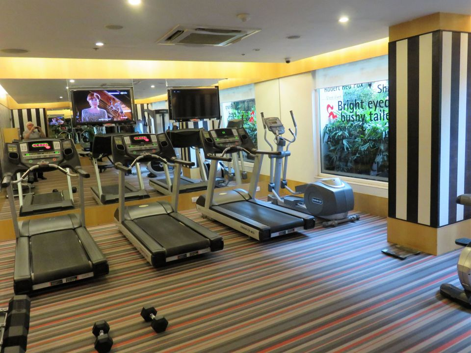 Fitnessraum Red Fox Hotel Delhi Airport