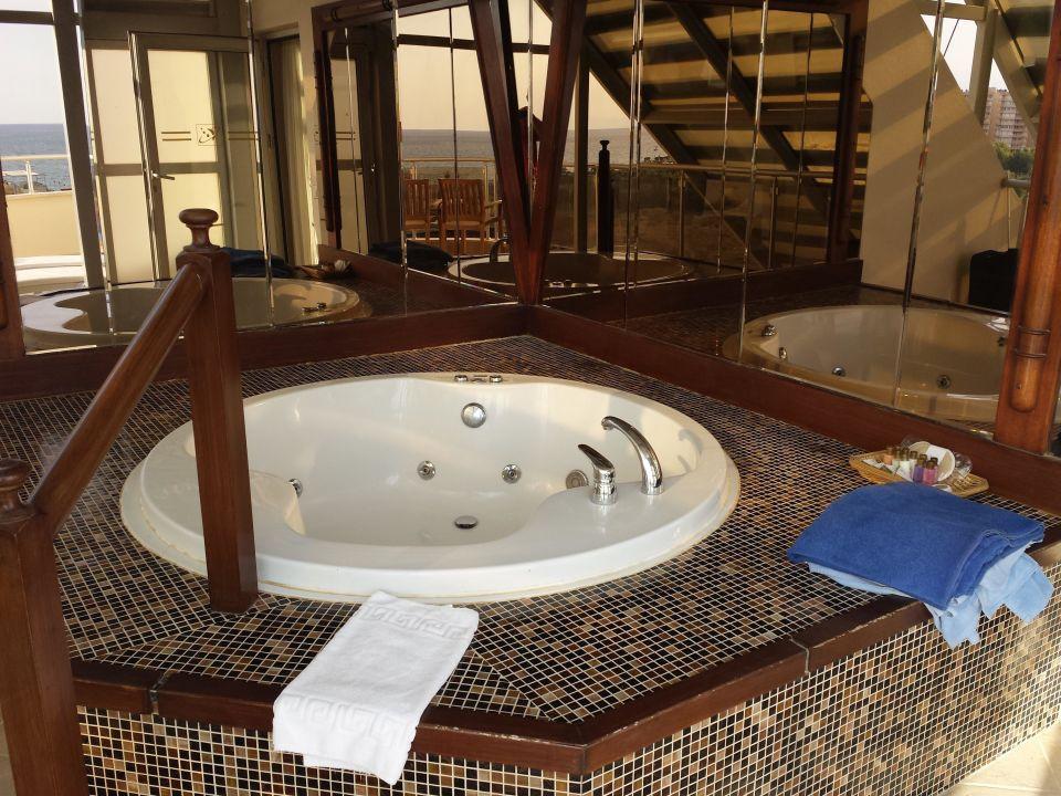 eigener whirlpool auf dem balkon hotel saturn palace resort lara holidaycheck t rkische. Black Bedroom Furniture Sets. Home Design Ideas