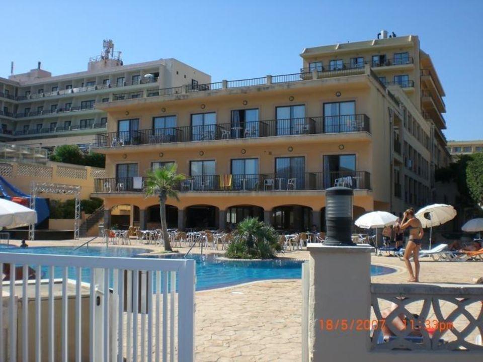 Blick Von Dem Direkt Gehweg Zum Strand Hotel Hsm Regana Cala