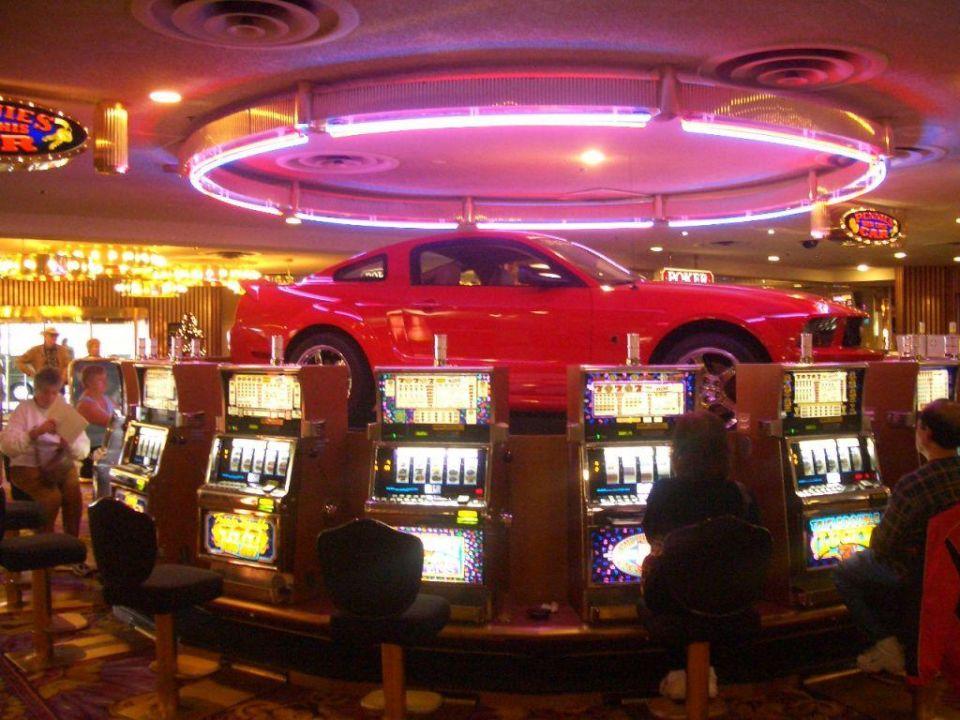 casino next to circus circus