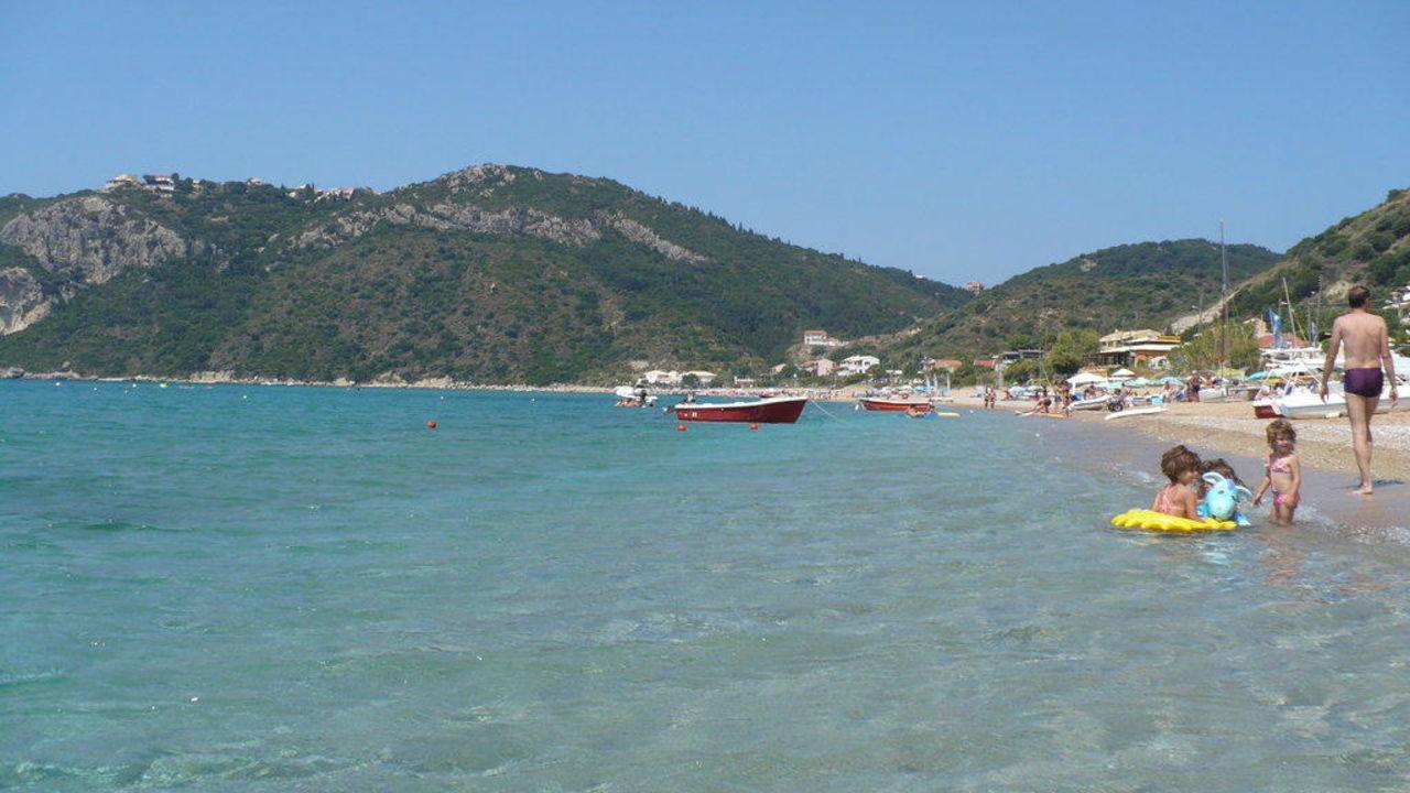 strand vor dem hotel hotel belle helene beach agios georgios pagi holidaycheck korfu. Black Bedroom Furniture Sets. Home Design Ideas
