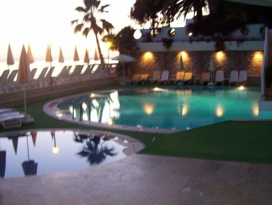 Pool Rubi Hotel