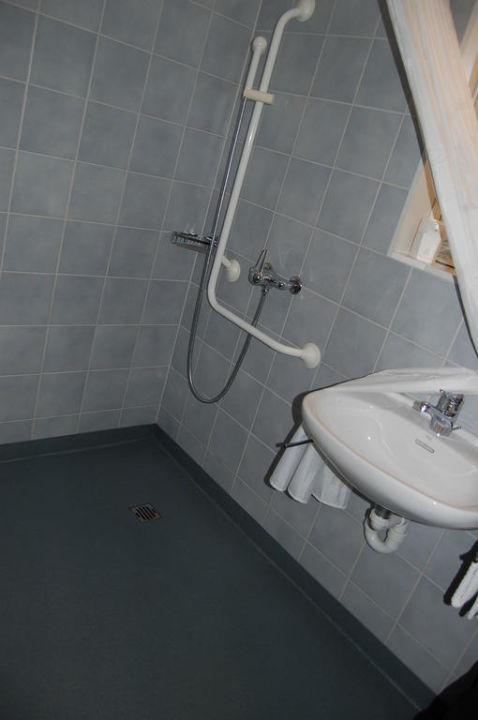 Badezimmer rollstuhlgänig (Dusche) Hotel Artos