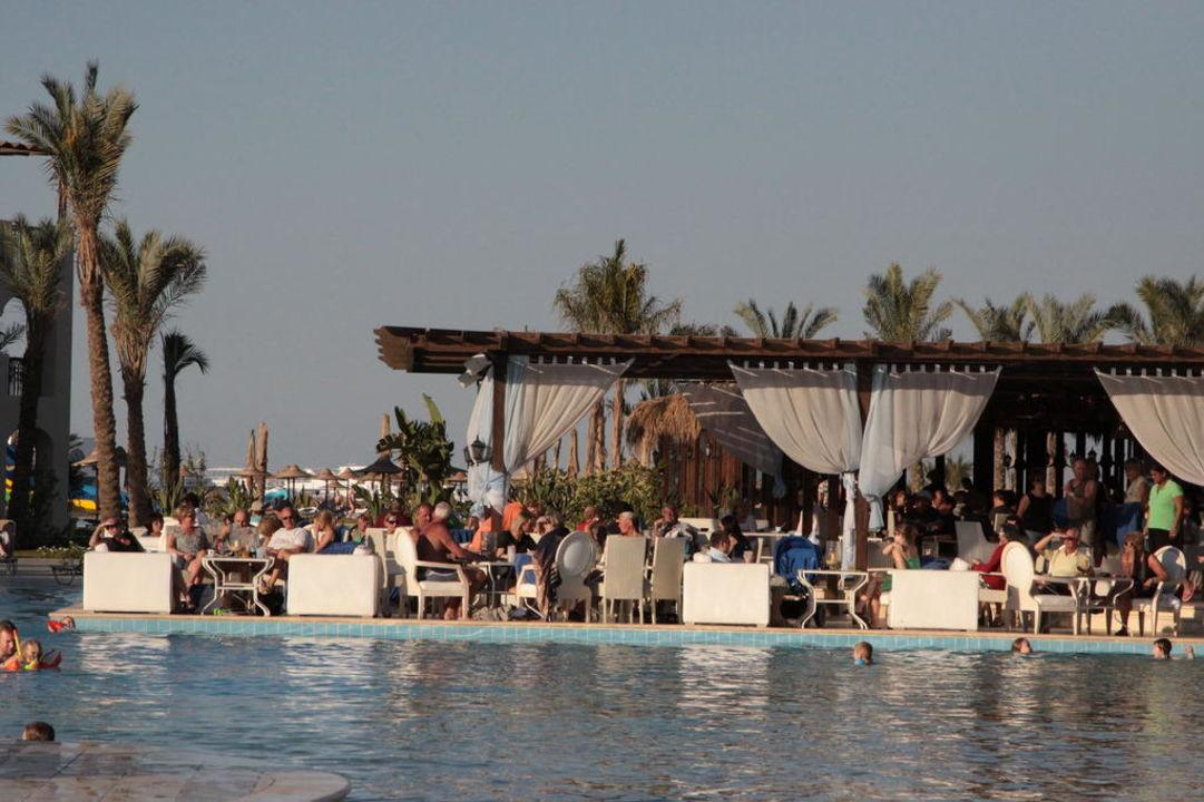 Bar przy basenie Jaz Aquamarine Resort