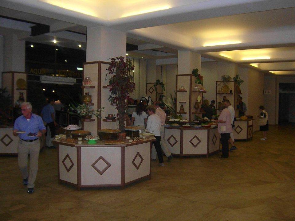 Ein kleiner Teil des Abendbuffets Grand Prestige Hotel & Spa