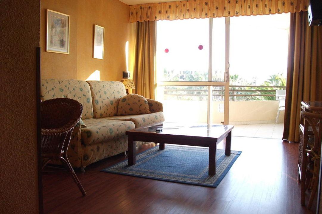 Wohnzimmer mit Balkon Ole Tropical Tenerife