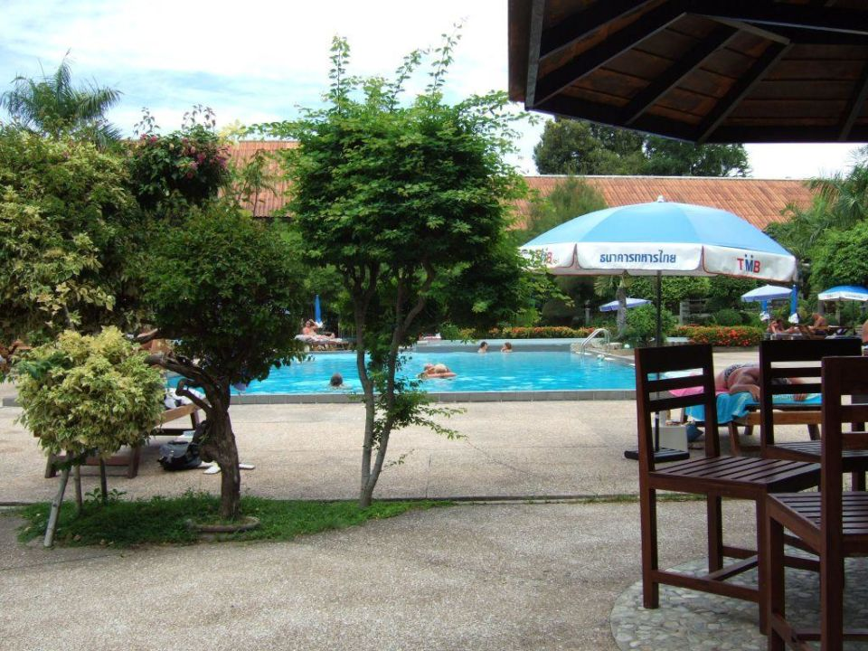 Bild Gartenanlage Mit Pool Zu Sunshine Garden Resort In