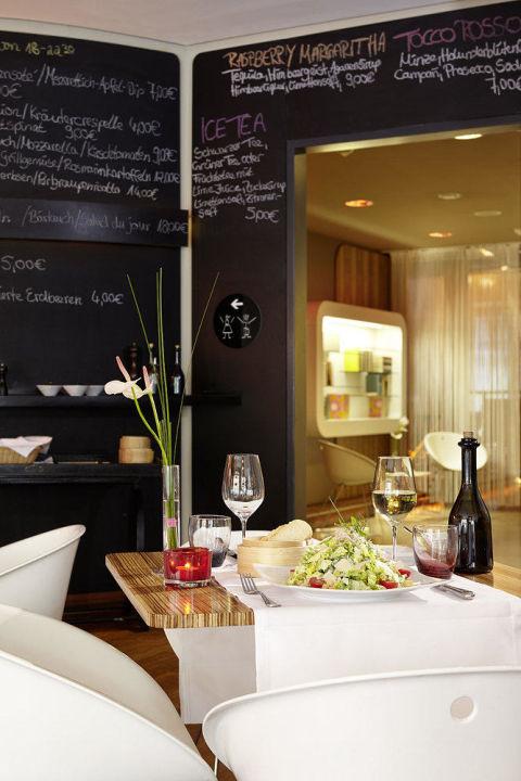 """25hours hotel number one_restaurant esszimmer"""" 25hours hotel, Esszimmer"""