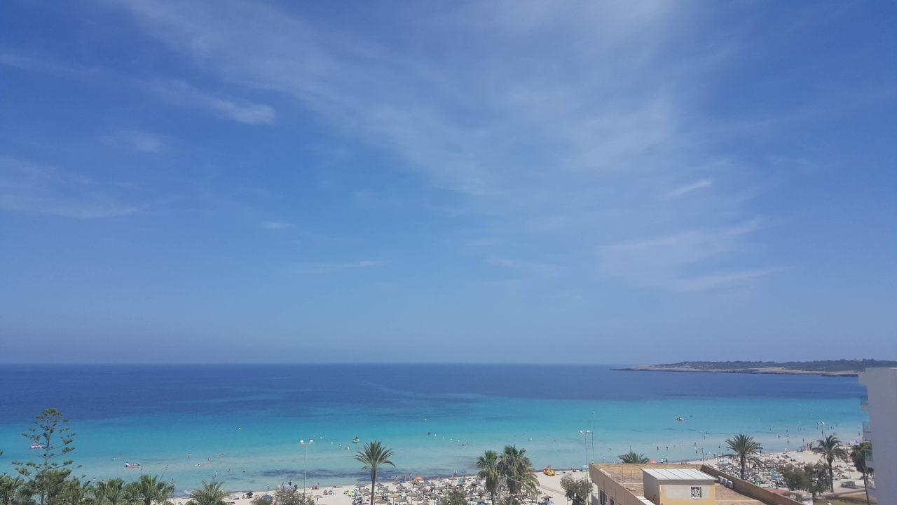 Blick vom Hotelbalkon zum herrlichen Meer Hotel Biniamar