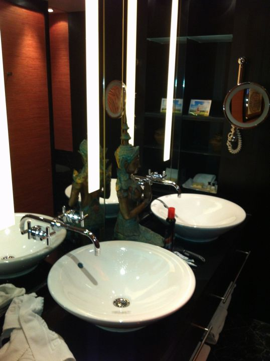 buddha suite hotel savoy k ln holidaycheck nordrhein westfalen deutschland. Black Bedroom Furniture Sets. Home Design Ideas