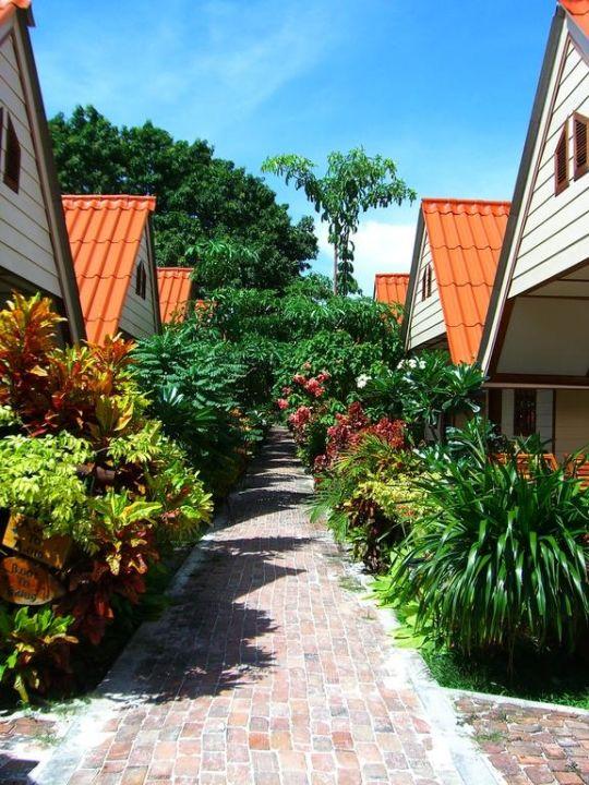 Vialetti delle camere Hotel Bundhaya Resort