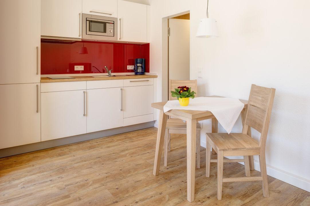 wohnung 12 ein raum wohnung ferienwohnanlage haus an der wiese garmisch partenkirchen. Black Bedroom Furniture Sets. Home Design Ideas