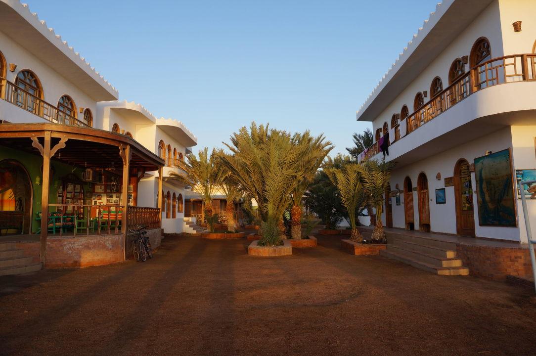 Innenhof Shams Hotel
