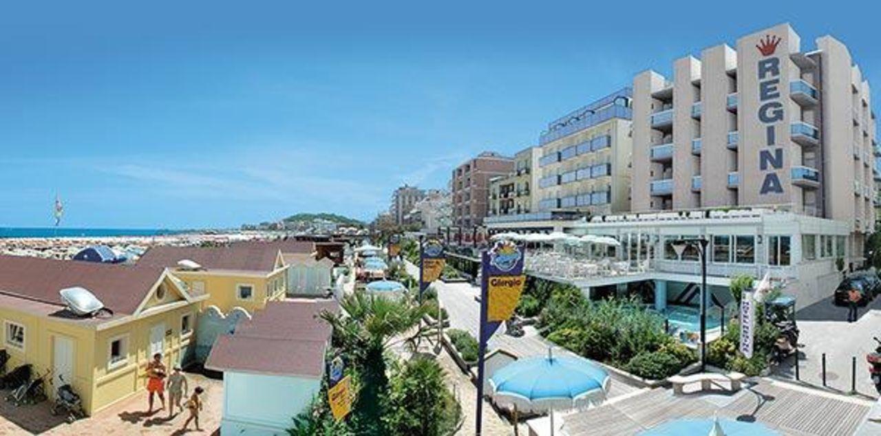 Hotel dalla spiaggia Hotel Regina