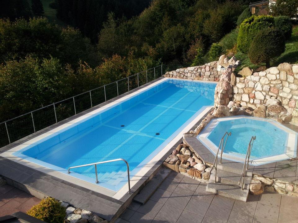 pool mit whirlpool hotel zugspitzblick pfronten holidaycheck bayern deutschland. Black Bedroom Furniture Sets. Home Design Ideas