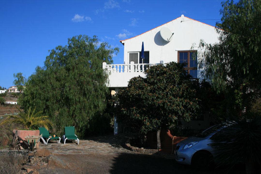 Frontansicht mit Sonnenterrasse Casa Las Uvas