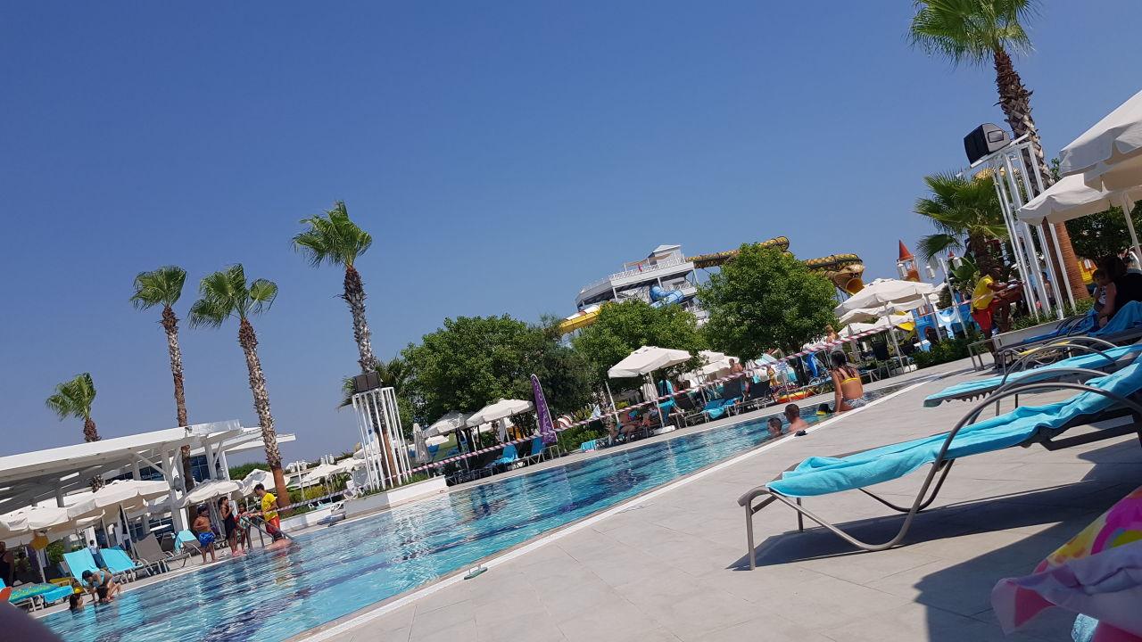 Pool Sueno Hotels Deluxe Belek