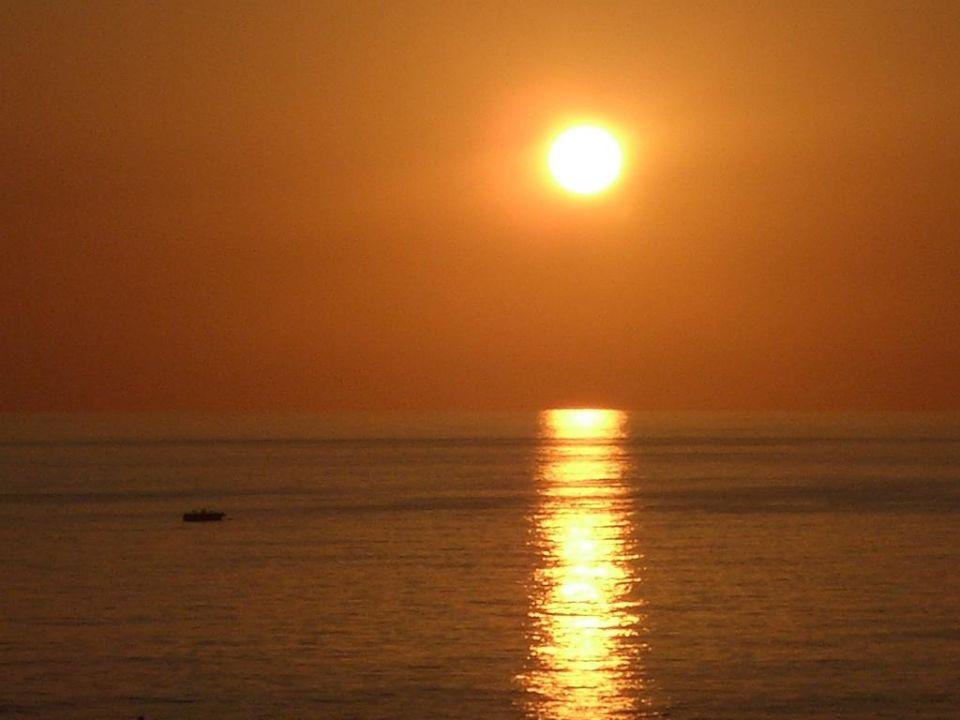 Sonnenuntergang Rheme Beach Hotel