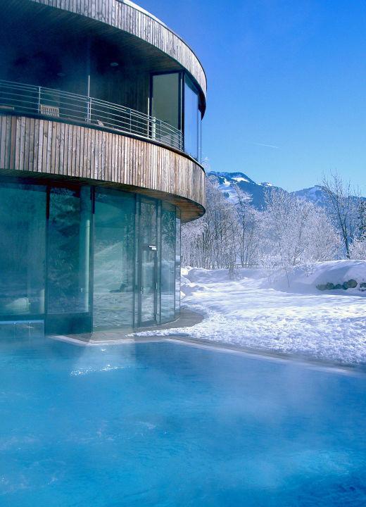 Außenpool im Winter\