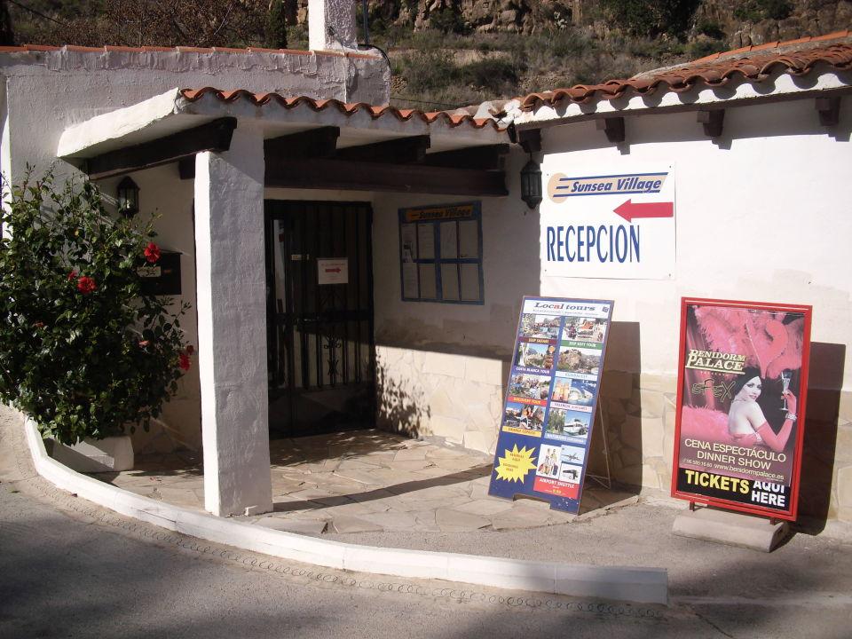 Wejscie do recepcji Hotel Sunsea Village