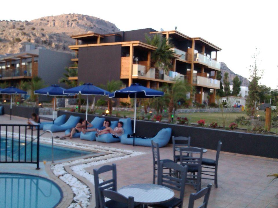 Bar przy basenie Hotel MedBlue Lardos