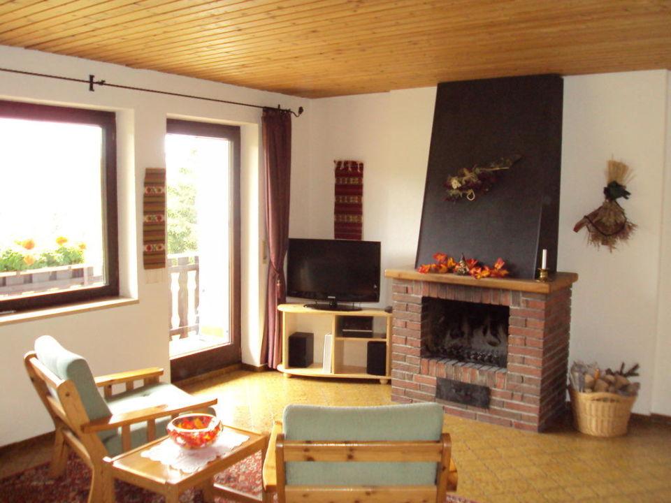 Wohnzimmer Mit Offenem Kamin Haus Schnell Ferienwohnungen