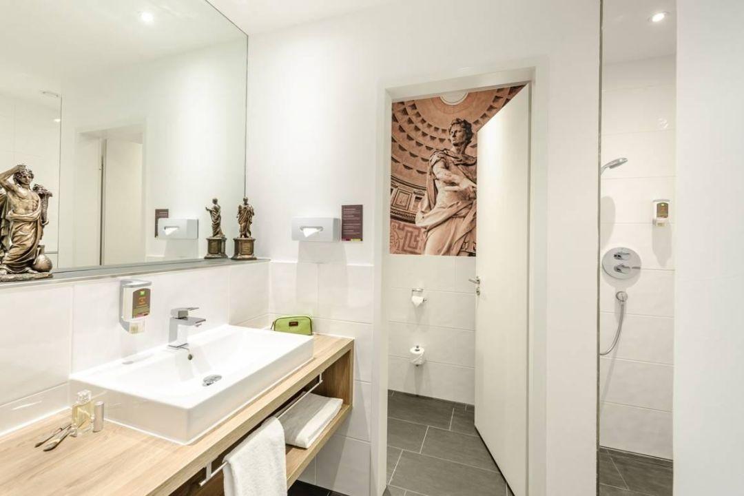 badezimmer ibis styles trier trier holidaycheck rheinland pfalz deutschland. Black Bedroom Furniture Sets. Home Design Ideas