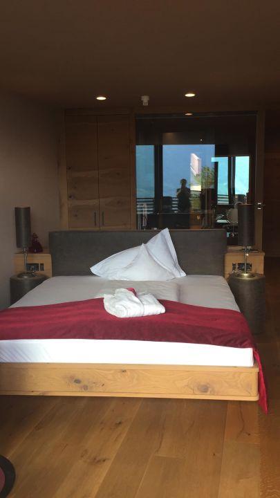 Tolle zimmerausstattung spa relax hotel erika tirolo for Zimmerausstattung hotel