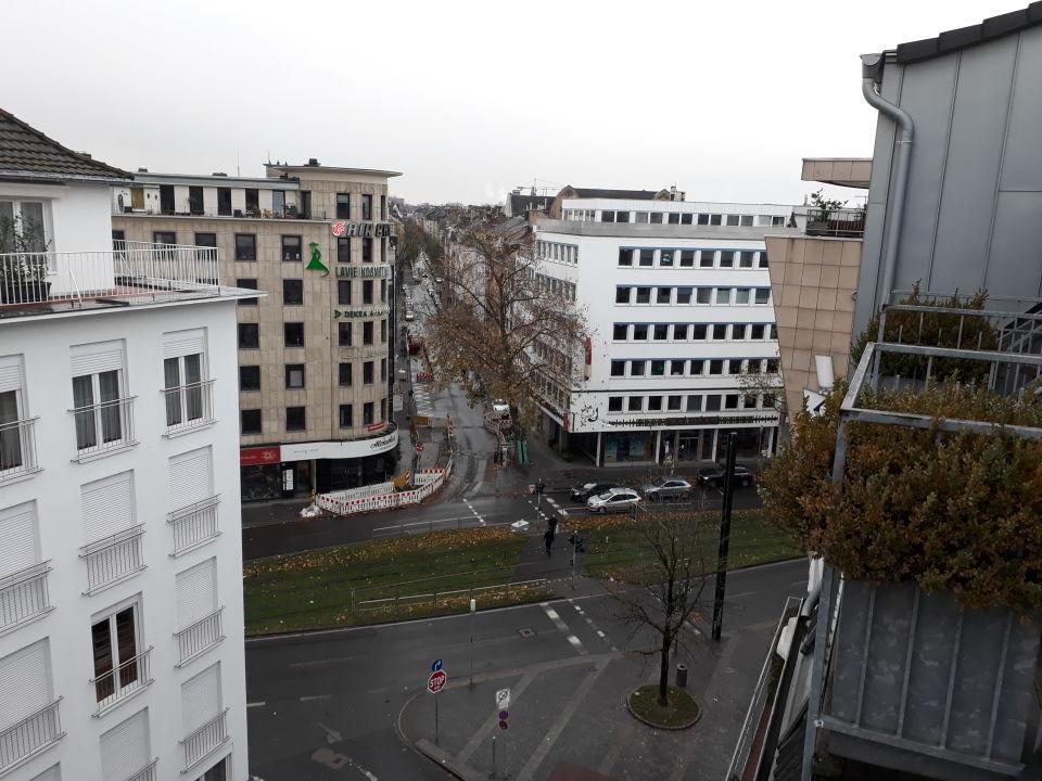 ausblick burns art hotel d sseldorf holidaycheck nordrhein westfalen deutschland. Black Bedroom Furniture Sets. Home Design Ideas