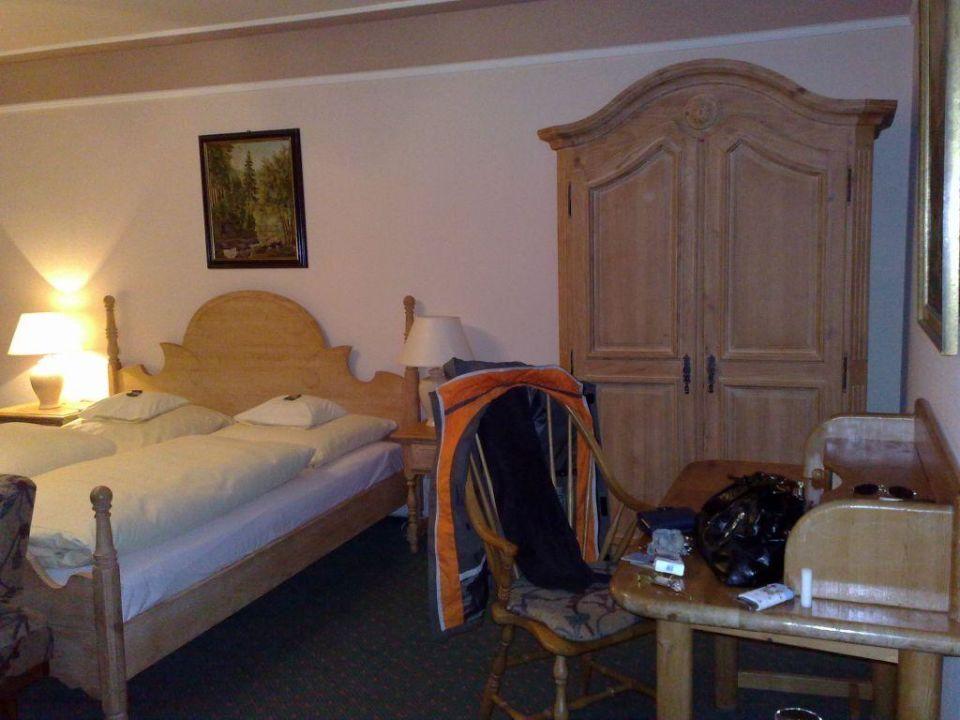 Schrank Schreibtisch Bett Hotel Edelweiss Garni Garmisch