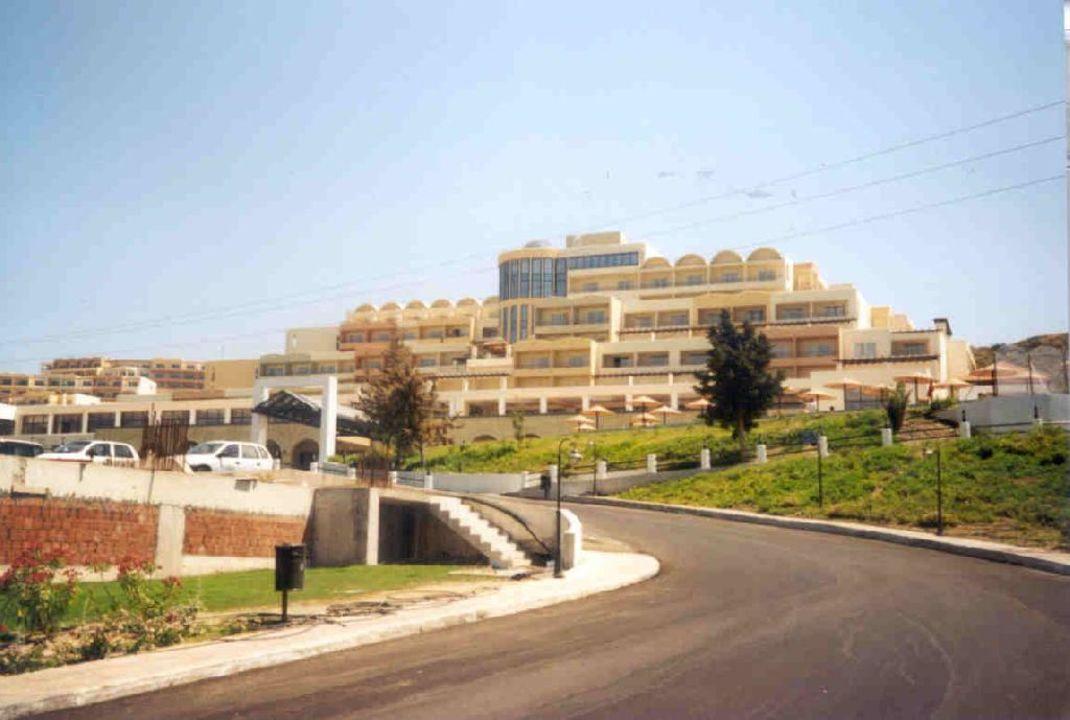 Auffahrt Kipriotis Panorama Hotel & Suites