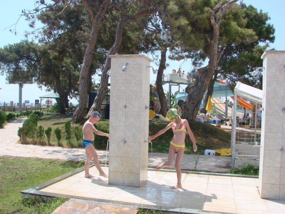 Prysznic. Hotel Laphetos Beach Resort