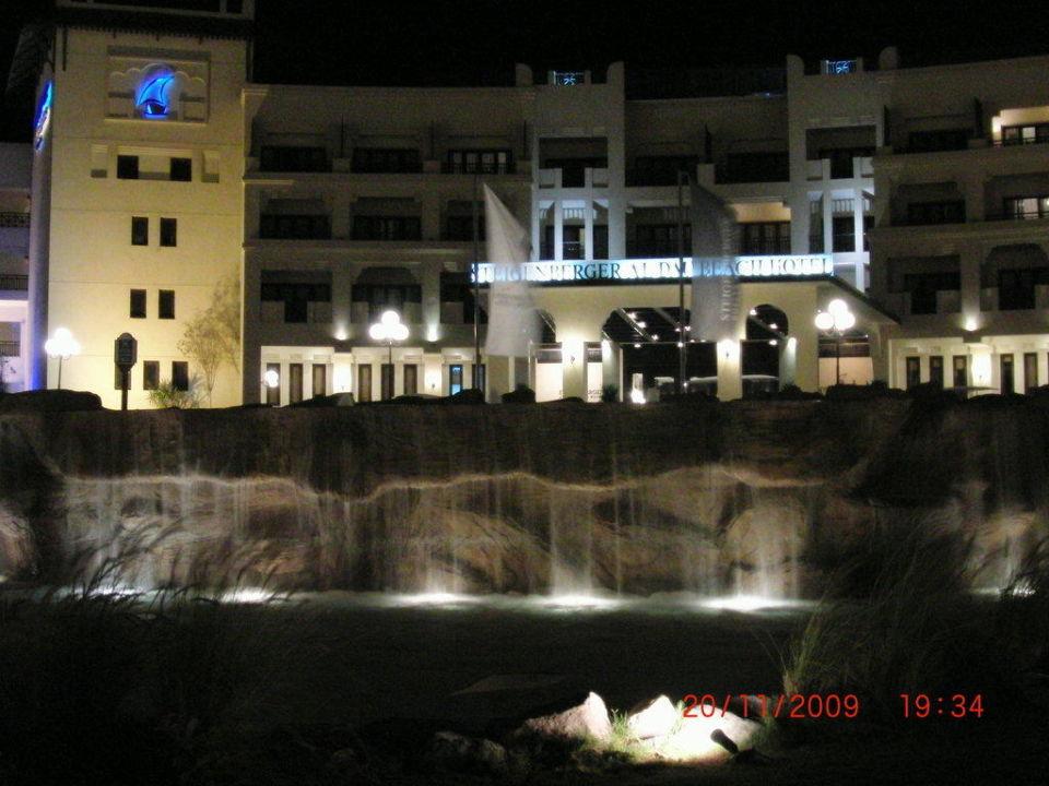 Hotel bei Nacht Steigenberger ALDAU Beach Hotel