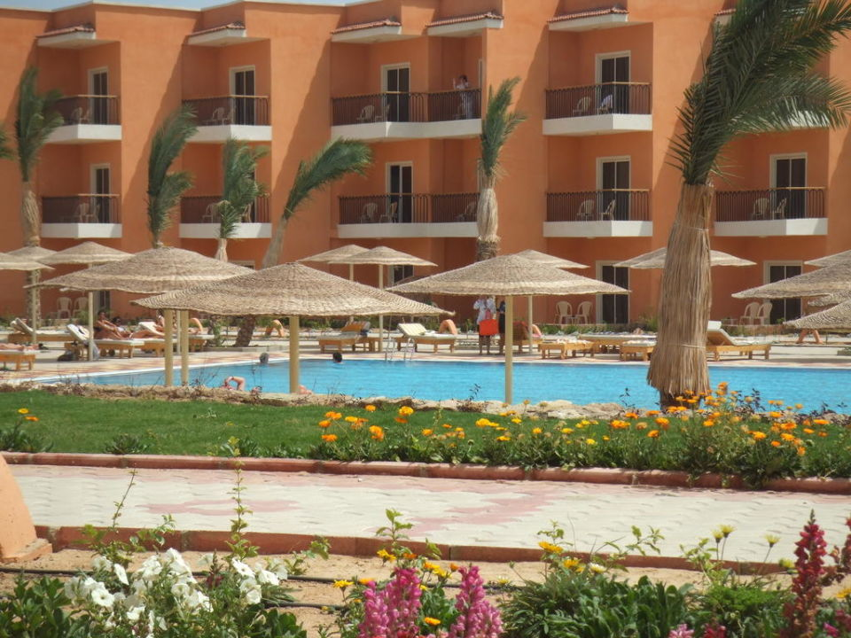 Großer Pool Hotel The Three Corners Sunny Beach Resort