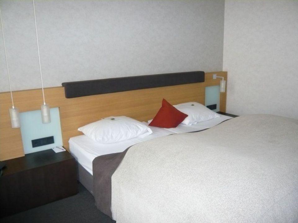 Großes Doppelbett Zimmer 526 Hotel Novotel Karlsruhe City