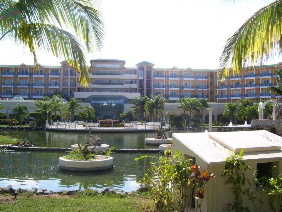 Das Hotel vom Garten aus Hotel Melia Las Antillas - Adults only
