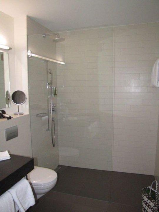 dusche mit glaswand engadiner boutique hotel guardaval. Black Bedroom Furniture Sets. Home Design Ideas