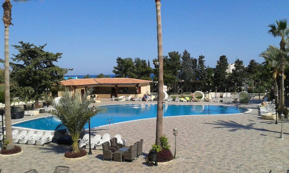 Pool Hotel Chateau Lambousa