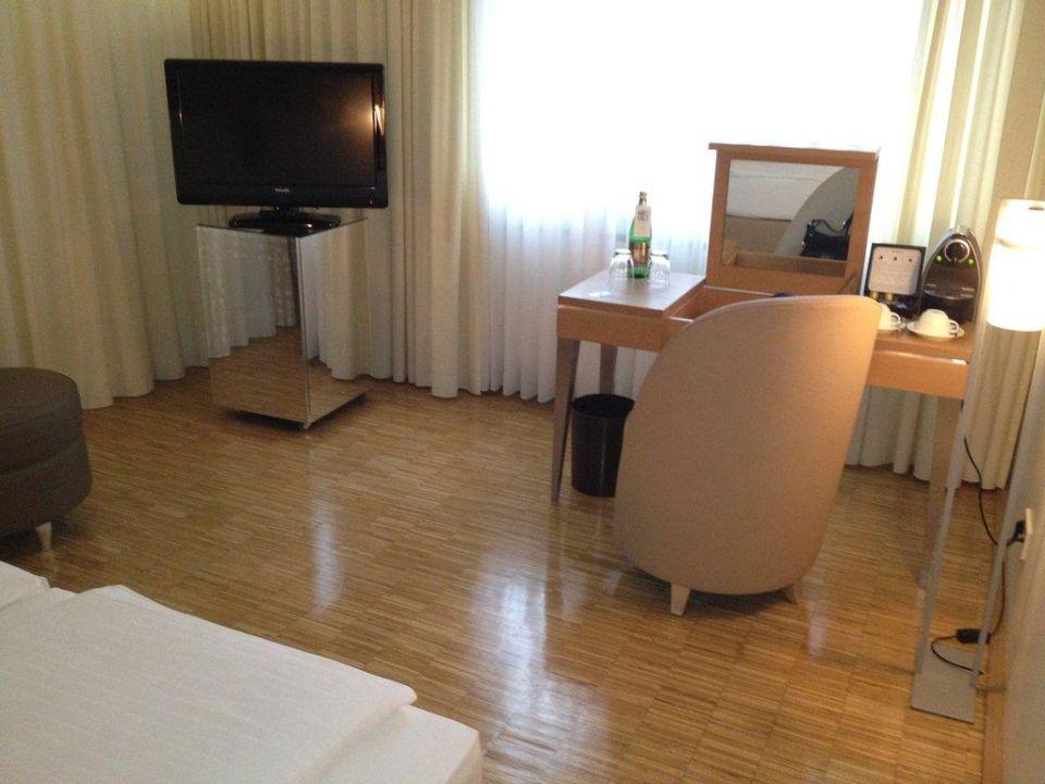 zimmer hotel santo k ln holidaycheck nordrhein. Black Bedroom Furniture Sets. Home Design Ideas