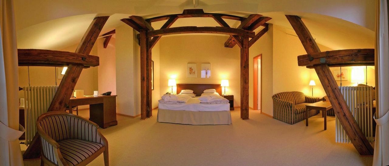 suite in abtsm hle romantik hotel bergstr m in l neburg. Black Bedroom Furniture Sets. Home Design Ideas