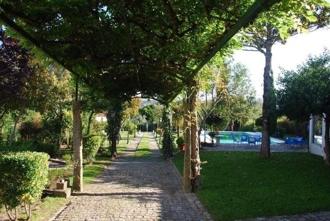 Super schöner Garten mit Pool.\