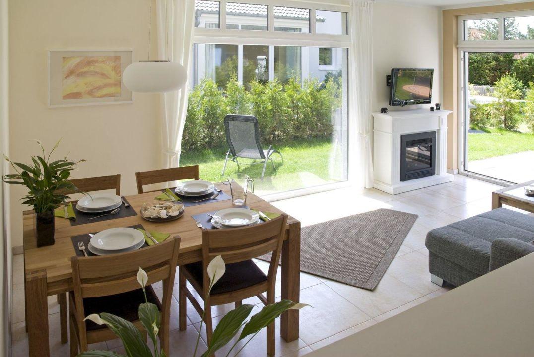 Blick Vom Essbereich In Den Garten Ab In Die Ostsee Appartement