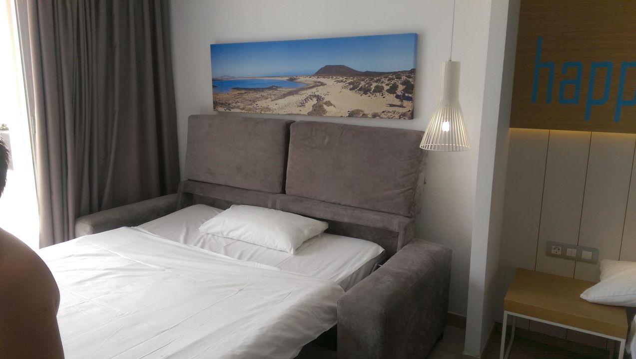 bild ausziehcouch zu labranda bahia de lobos hotel in corralejo. Black Bedroom Furniture Sets. Home Design Ideas