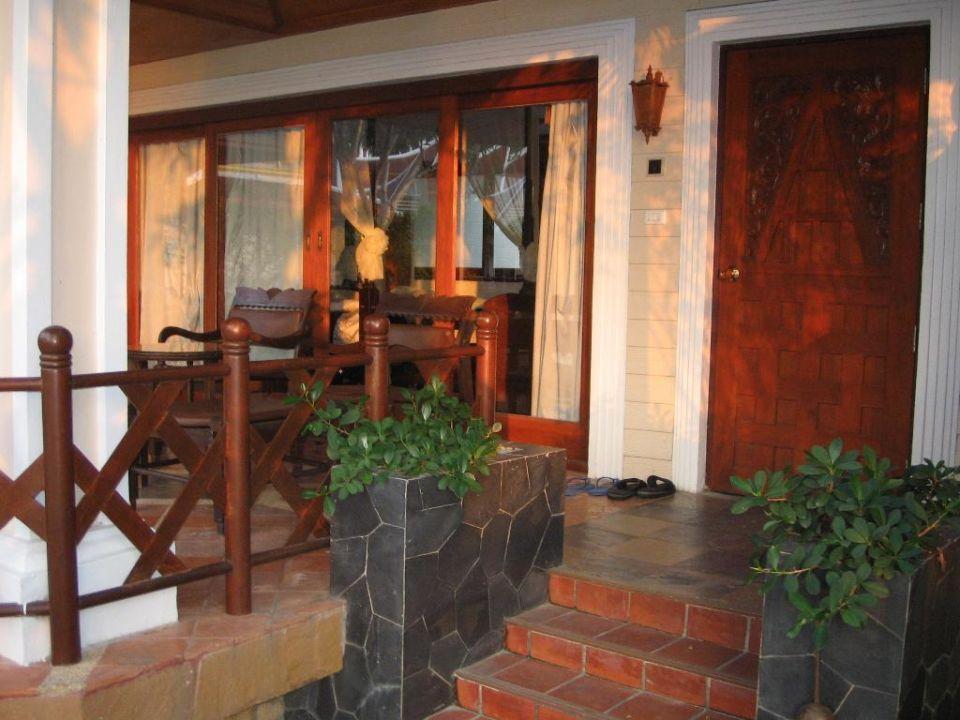 Bungalow Nr.101,etwas älter,dafür direkt neben dem Pool und Santhiya Tree Koh Chang Resort