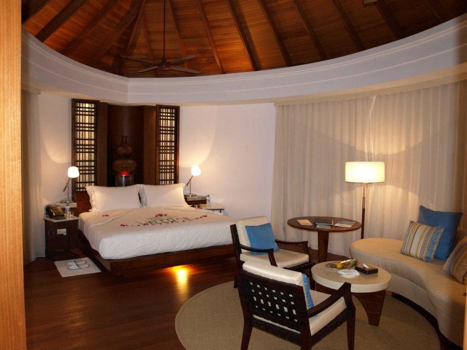 Schlafraum in Wasservilla Constance Halaveli Maldives