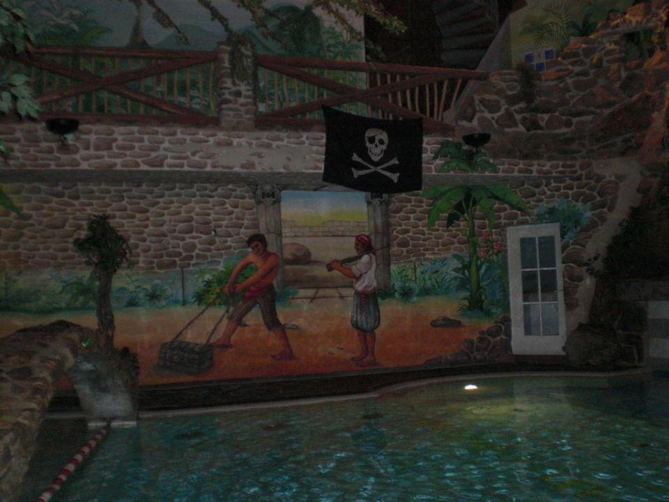 Wandbemalung im Poolbereich Baby & Kinder Bio-Resort ULRICHSHOF
