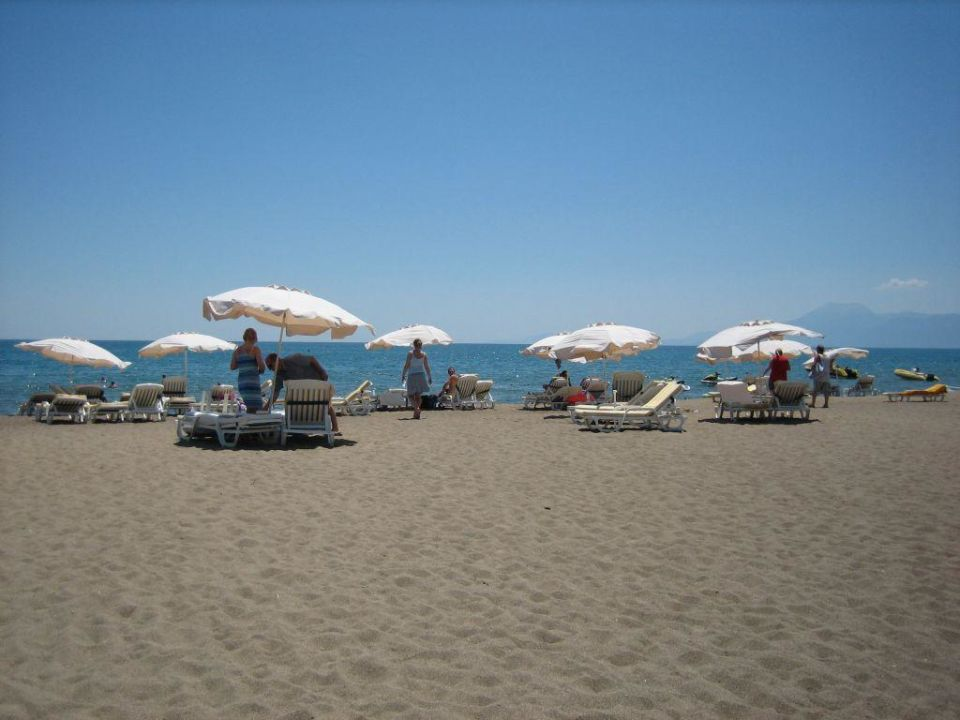 Strand Hotel Miracle Resort