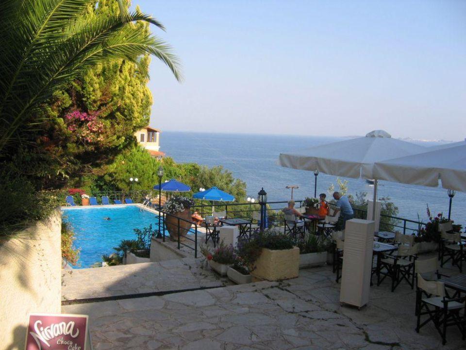 Poolbar Terrasse mit Ausblick Marilena Sea View Hotel