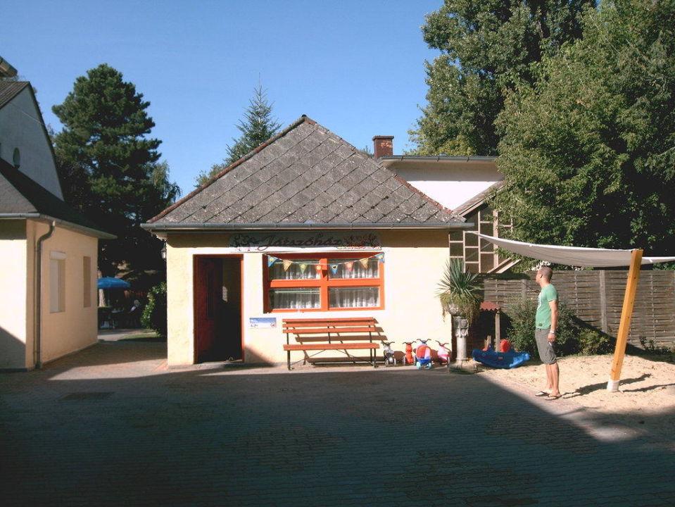 Spielbereich Spielhaus für Kinder Hotel Family